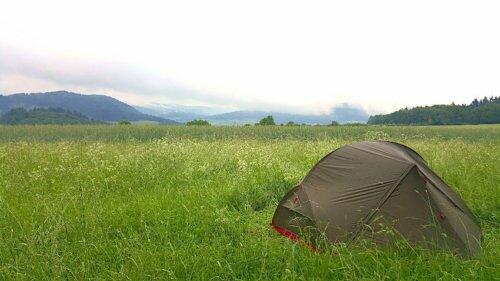 Sicher Zelten auf dem deutschen Jakobsweg: 4 smarte Tipps